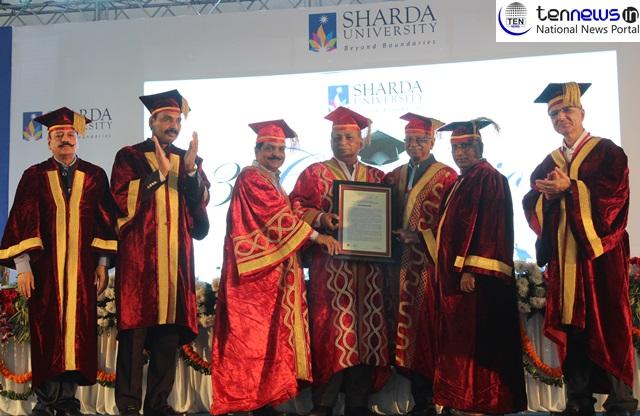 शारदा विश्वविद्यालय के दीक्षांत समारोह में 3895 छात्रों को प्रदान की गई उपाधियां