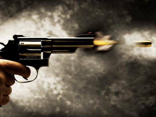 ग्रेटर नोएडा में पुलिस और बदमाशों के बीच हुई मुठभेड़, एक बदमाश के पैर में लगी गोली
