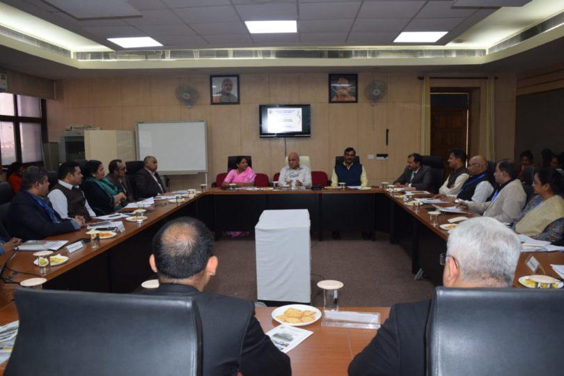 गौतमबुद्ध विश्वविद्यालय में यूनिवर्सिटी-इंडस्ट्री रिसर्च राउंड टेबल का आयोजन