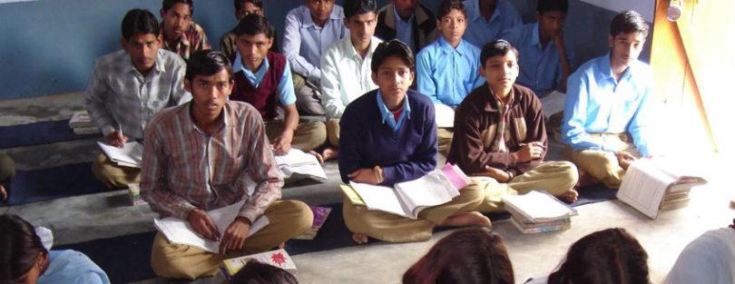 जिला प्रसाशन की फर्जी स्कूलों पर कार्रवाई, 6 स्कूल कराए बंद