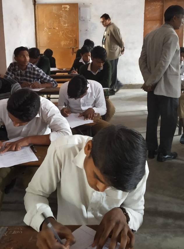 परीक्षा केन्द्रो में नहीं किए गए पूरे प्रबंध तो रोका जाएगा वेतन : डॉ. पी के उपाध्याय