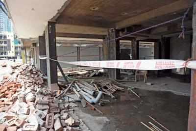 प्राधिकरण ने शाहबेरी में जेपी हाइट्स बिल्डर की बिल्डिंग को किया सील