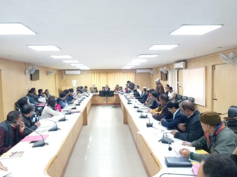 लोक सभा चुनावों को देखते हुए डीएम बीएन सिंह ने नोडल अधिकारियों की प्रथम बैठक