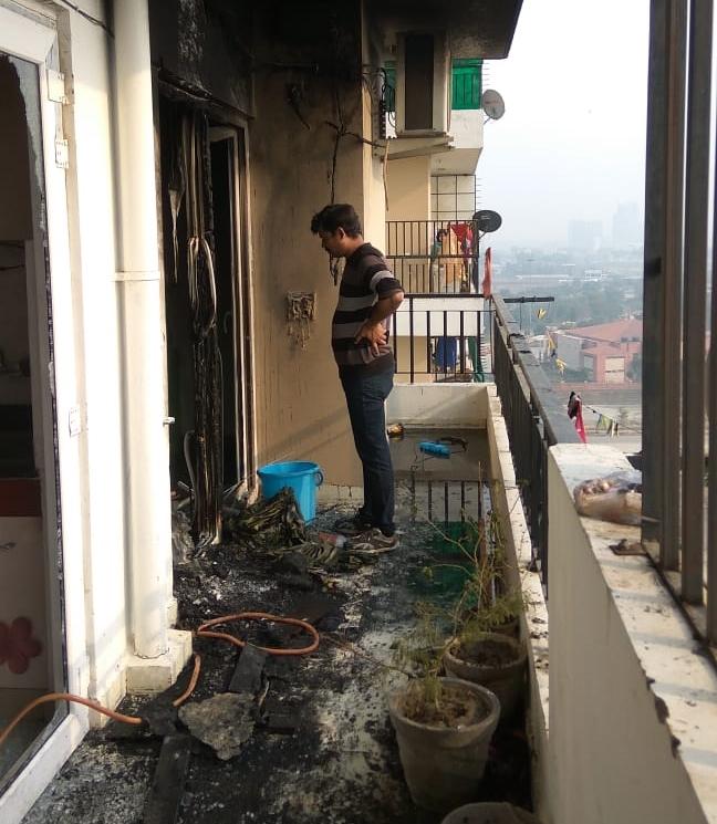 ग्रेटर नोएडा वेस्ट की ACE सोसाइटी के फ्लैट में लगी आग