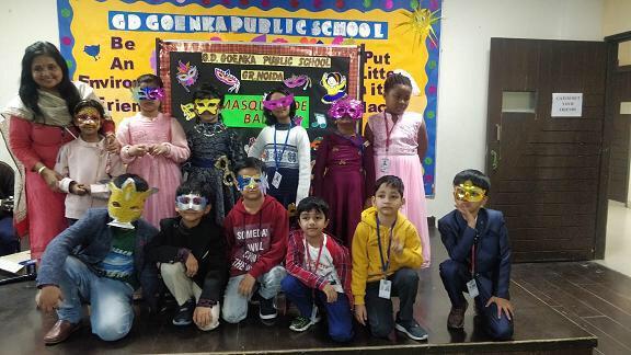 जी डी. गोयंका स्कूल में मास्क पार्टी का आयोजन