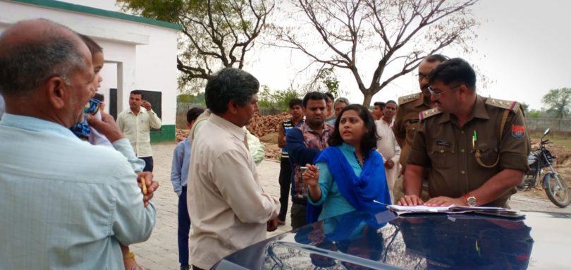 एसडीएम जेवर गुंजा सिंह द्वारा चुनाव को लेकर मतदान केंद्रों का किया गया निरीक्षण