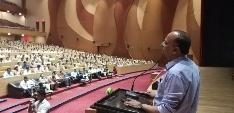 लोकसभा चुनावों को निष्पक्ष रूप से आयोजित कराने के लिए डीएम नई की बैठक